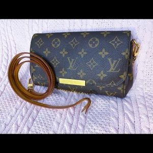 Louis Vuitton Bags - Authentic LV Favorite PM